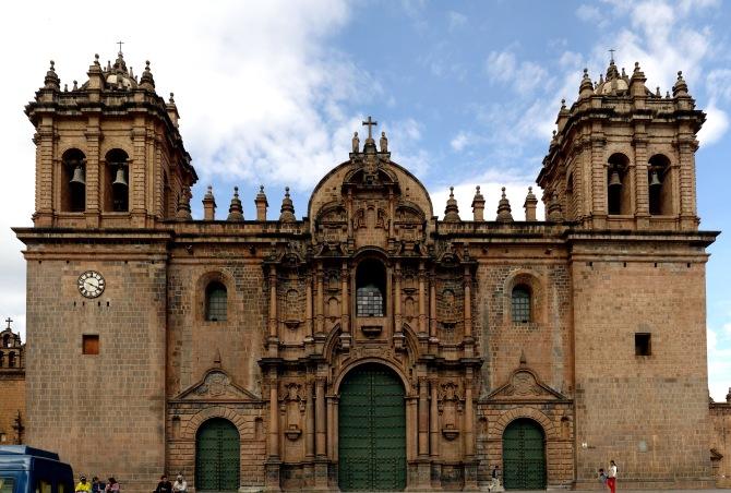 Cathédrale_de_Cuzco_Décembre_2007_-_Vue_de_Face