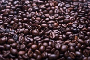 A_lot_of_coffee_beans